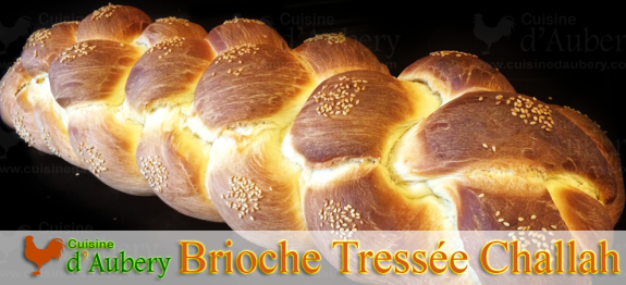 A l'origine un pain traditionnel juif, le pain Hallah, Challah ou Challad (repas de shabbat), la brioche tressée est un régal pour les petits-déjeuners. On en trouve à plusieurs branches, 3 étant la plus facile, 8 étant la plus grosse, 6 branches convient à toutes les situations !