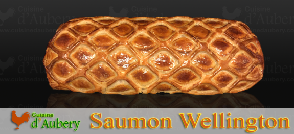 Plat cousin du Bœuf Wellington, le Saumon Wellington est un saumon cuit dans une pâte afin qu'il reste tendre et humide, avec du homard ou du crabe, un délice assez facile à réaliser et qui ne déçoit jamais !