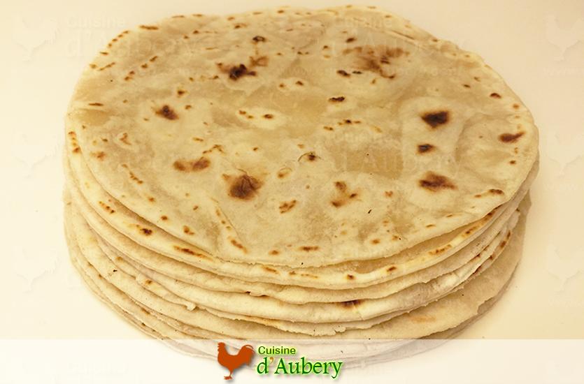 Les tortillas mexicaines la farine base pour tacos d - Cuisine mexicaine tortillas ...