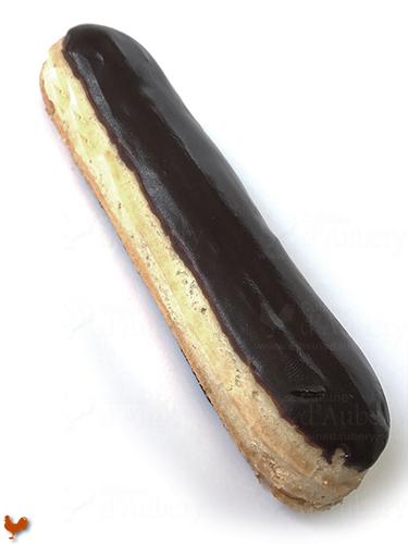 Le gla age miroir chocolat pour clairs de christophe adam - Glacage chocolat pour eclair ...