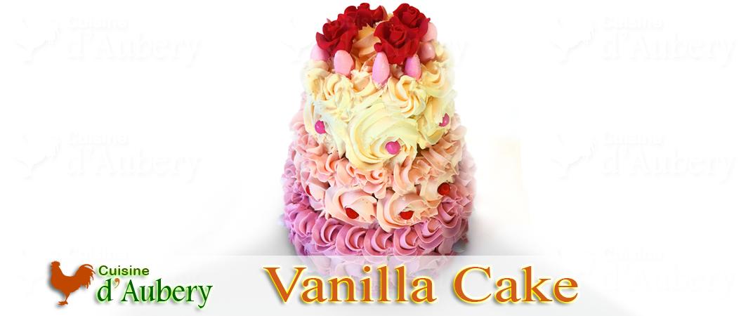 Le gâteau à étages «Roses Vanille» (vanilla cake) de Mich Turner