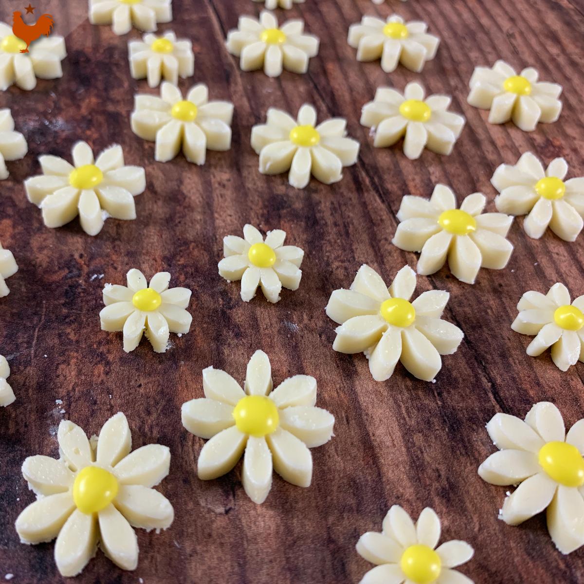 Les Fleurs Comestibles Décoratives de Antonio Bachour (marguerites déco)