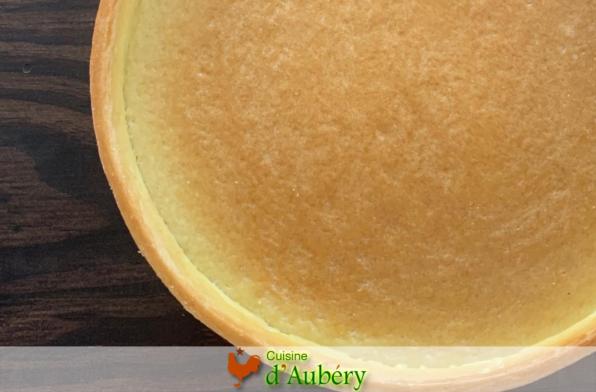 Cuire un fond de tarte à blanc par Cédric Grolet (3 méthodes)